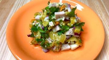 Как приготовить тёплый салат из индейки с болгарским перцем. Полезные рецепты от Татьяны Гладковой.