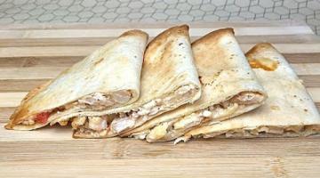 Закуска По-Мексикански Кесадильяс / Курица с Яблоками на Лепешках Тортилья